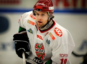 Markus Näslund leder sitt Modo